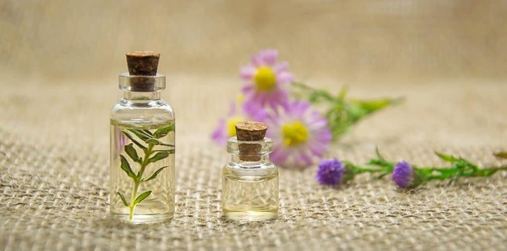 Ätherische Öle zum Behandeln von Mückenstichen